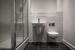 durchlauferhitzer dusche 2016 infos tests vergleiche. Black Bedroom Furniture Sets. Home Design Ideas