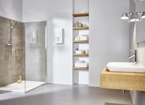 Durchlauferhitzer 27 kW - Clage DEX Next montiert in einem Badezimmer